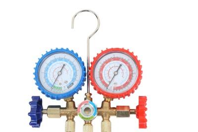измерване на налягането на фреона